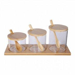 Glazen en bamboe potten